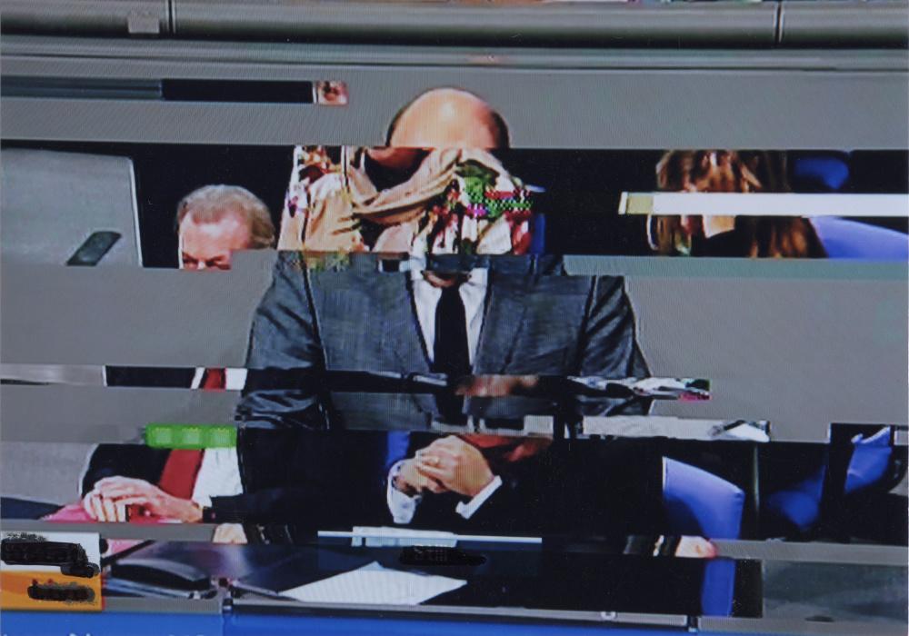 "Ohne Titel, aus der Serie ""Parliament"", 2014-2017; © Boris Mikailov, VG Bild-Kunst, Bonn 2019"
